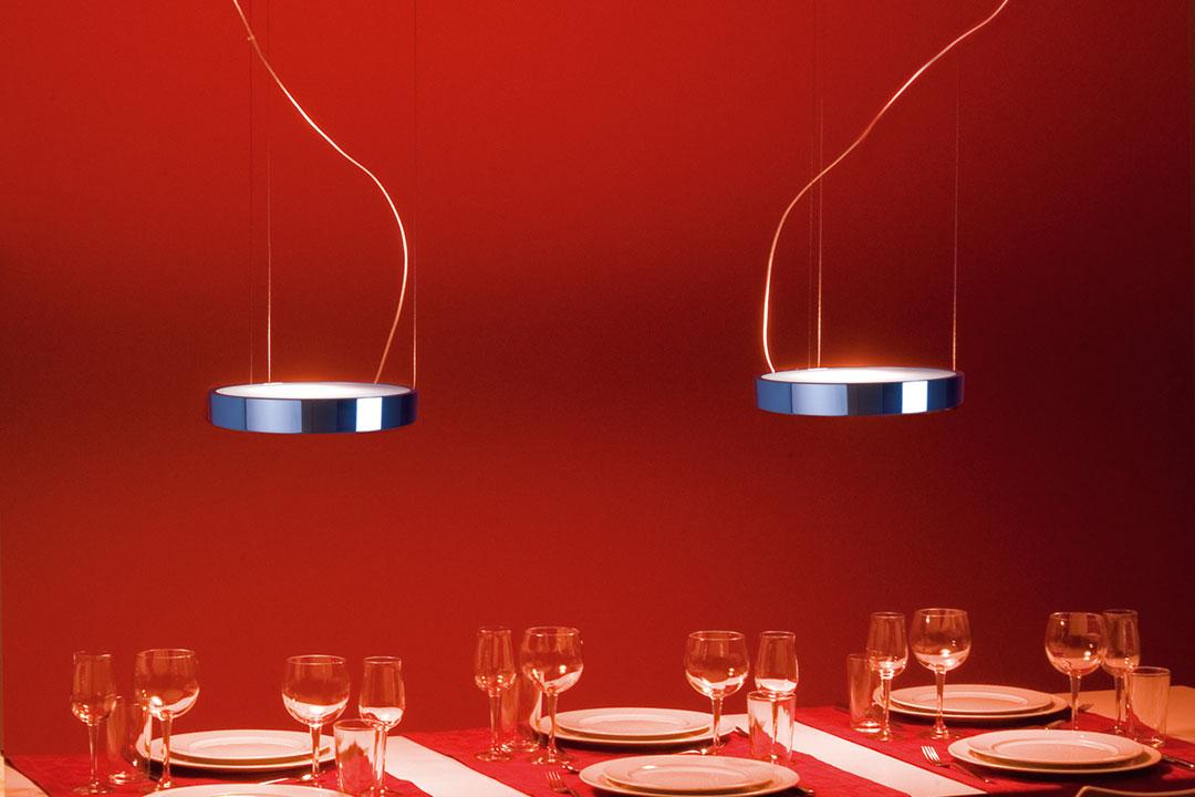 designer leuchten hochwertige leuchten in vielen formen f r den innen und au enbereich. Black Bedroom Furniture Sets. Home Design Ideas